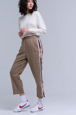 Pantalones de tartán marrón