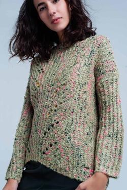Suéter verde de punto grueso jaspeado