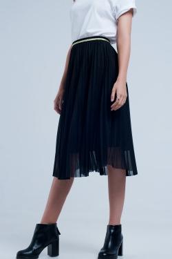 Falda midi plisada en negro
